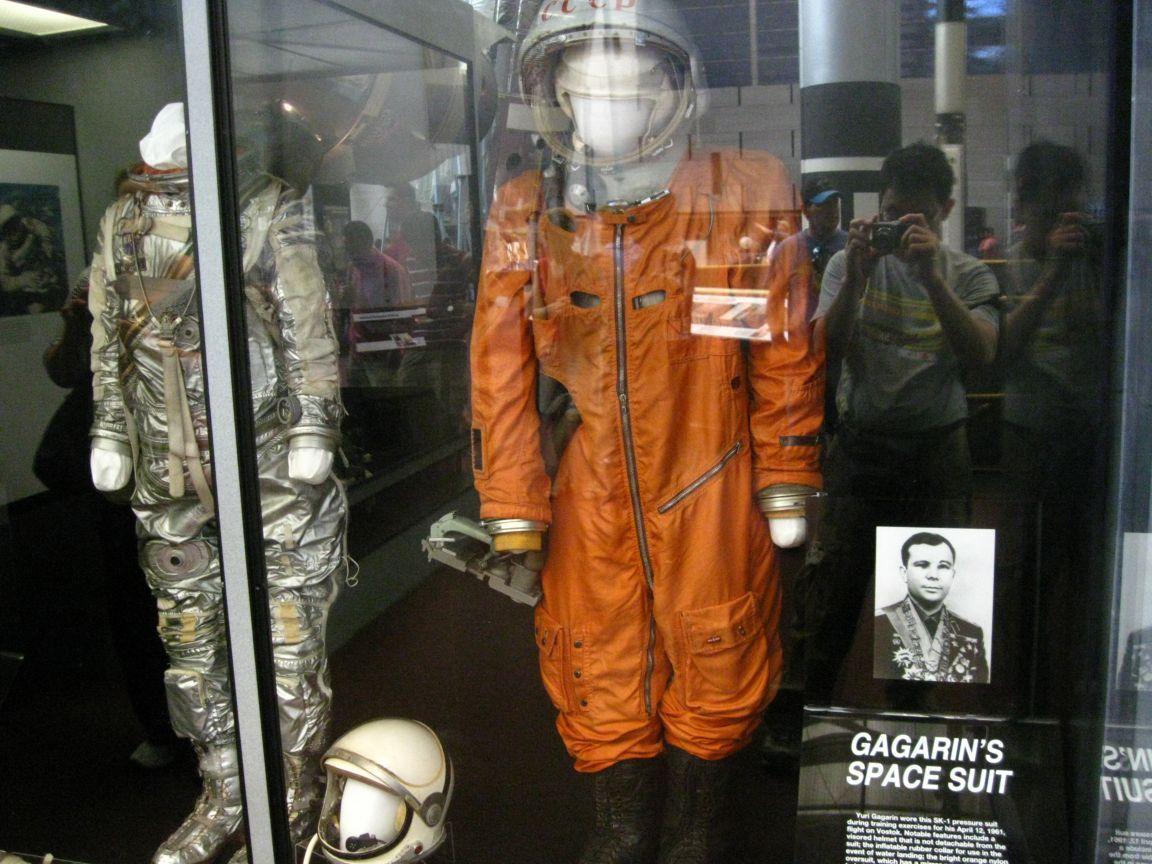 cosmonaut-yuri-gagarin-s-spacesuit-washi