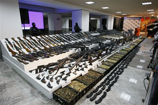 http://boufosnews.files.wordpress.com/2011/04/gulf-cartel-weapons-cache-ap-photo.jpg?w=614